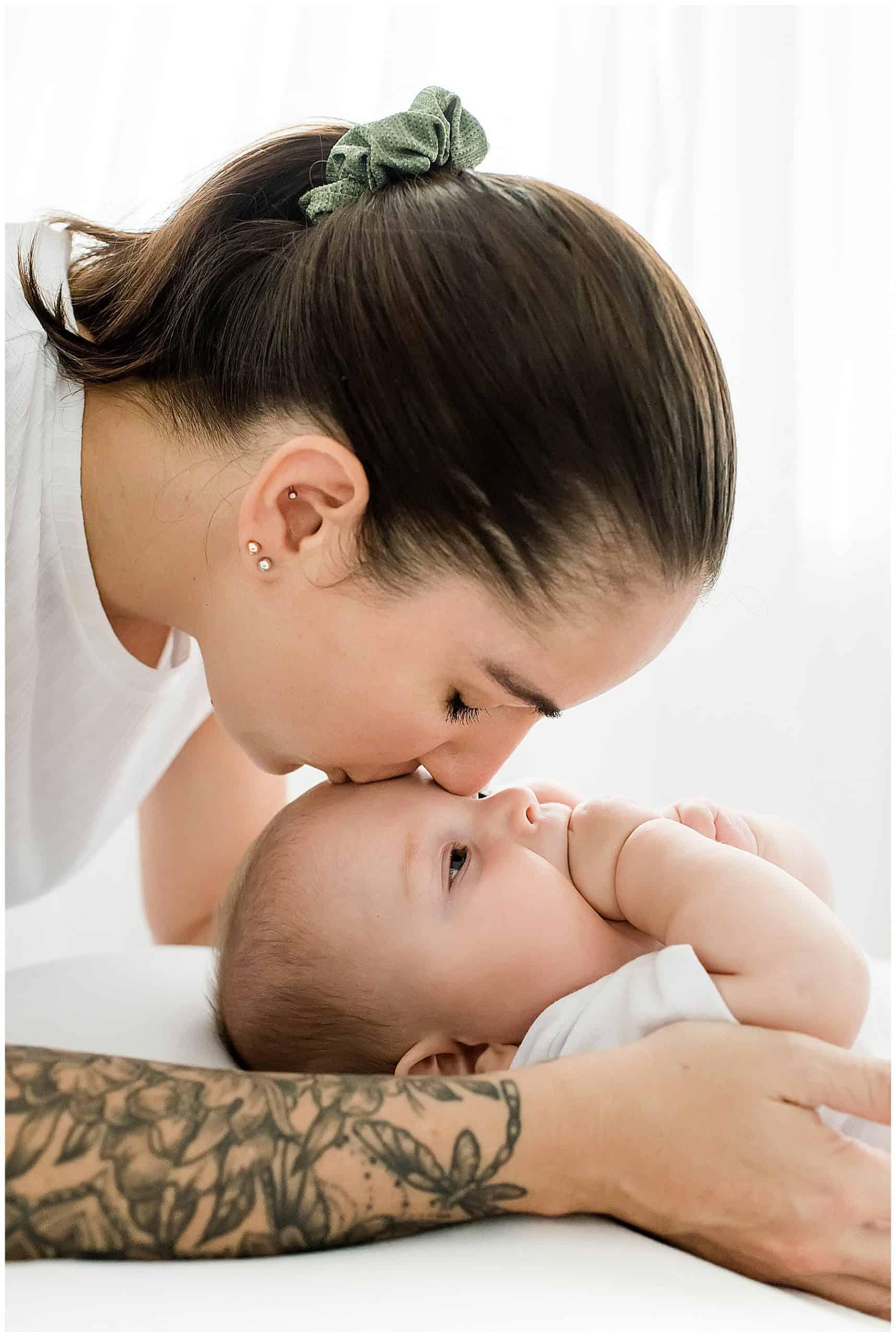 cairns baby newborn family photographer white natural studio