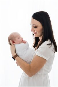 mother and baby newborn photo by cairns newborn photographer Lizzy Hannaford