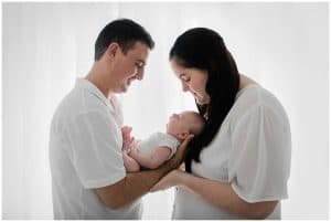 newborn photographer family photo cairns