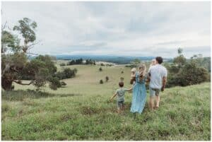cairns family photographer location photoshoot in field