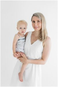 mummy and me photoshoot mothers day session highlights by cairns family photographer Lizzy Hannaford Photography