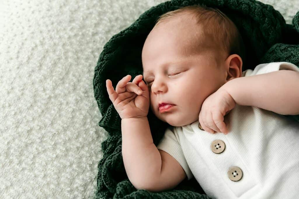 newborn by cairns newborn photographer Lizzy Hannaford Photography