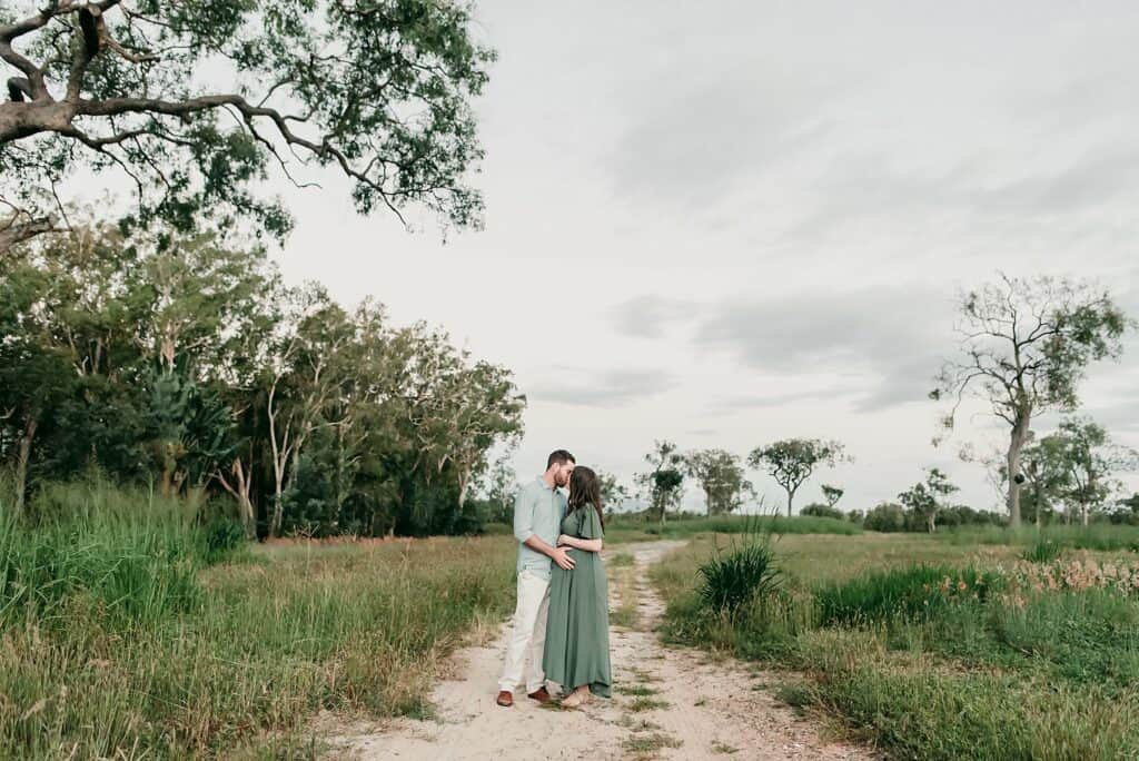 maternity session in field location by cairns maternity photographer Lizzy Hannaford Photography